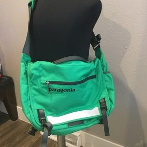 patagonia messenger bag
